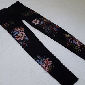 M. Rena Tummy Tuck Leggings S/M